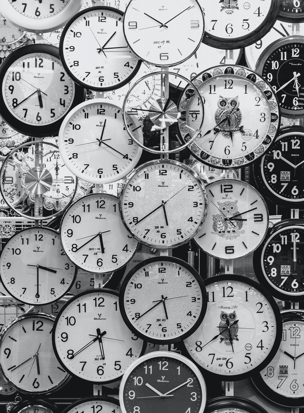 black-and-white-photo-of-clocks-707676